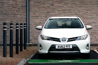 Toyota Auris Hybrid is the UK's biggest-selling alternative fuel vehicle