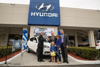 The first Tucson Fuel Cell is delivered at Tustin Hyundai