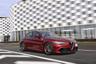 THE ALL-NEW ALFA ROMEO GIULIA QUADRIFOGLIO NAMED 'BEST CAR' BY TOP GEAR MAGAZINE EXPERTS AND READERS